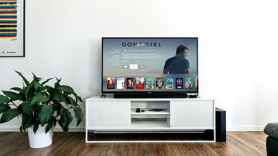 Top benefits of watching movies online